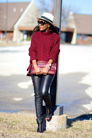 Zara sweater - Givenchy boots - Kurt Geiger bag - Prada sunglasses