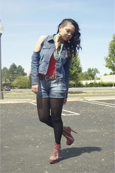 red multicolored shoes - blue cold shoulder jordache jacket