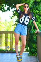 sky blue denim chicnova shorts - black cotton romwe t-shirt