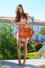 Light-pink-chiffon-romwe-dress-bronze-romwe-bag-salmon-rutz-sandals