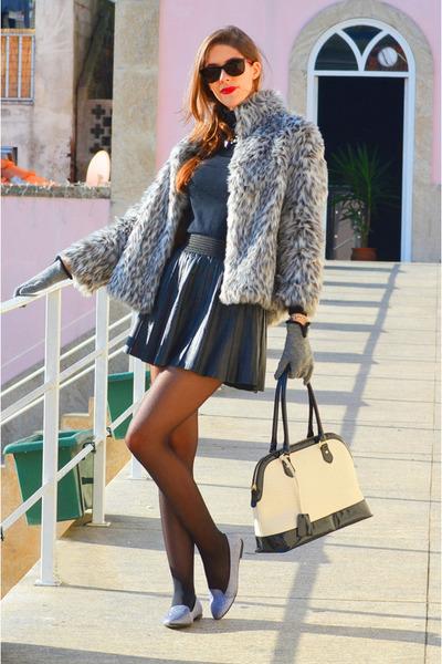 heather gray faux fur Primark coat - black leather Parker skirt