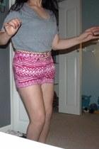 hot pink Forever 21 shorts - silver mens cotton Gap shirt