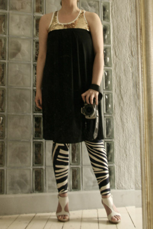 phard top - Filippa K dress - KaksiTv leggings - Sixtyseven shoes