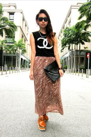 skirt - shoes - clutch bag - chanel logo t-shirt