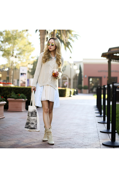 beige v-neck Zara sweater - neutral ankle boots Buttero boots