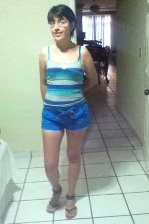 blue Aeropostale shirt - blue Express shorts - brown unknown sandals