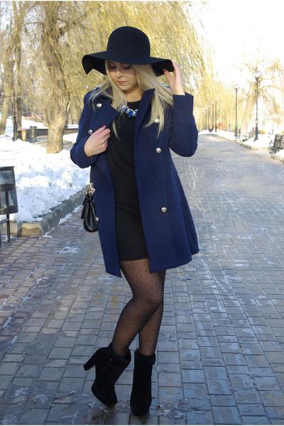 black Frontrowshop hat - black Bakers boots - black infiniteen dress