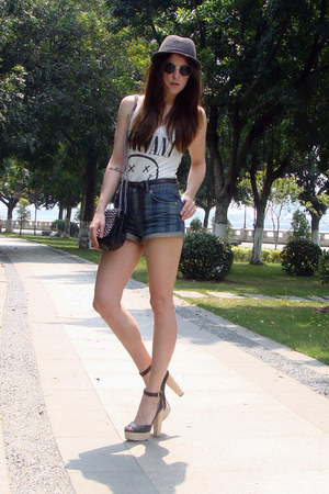 black Zara heels - navy Topshop shorts - white H&M t-shirt