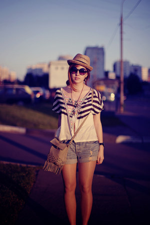 leather bag thrifted vintage bag - straw hat H&amp;M hat - denim shorts H&amp;M shorts