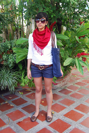 brown leather American Eagle belt - brown loafers shoes - red pashmina scarf