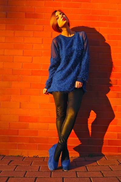 blue Nelly sweater - blue Nelly wedges