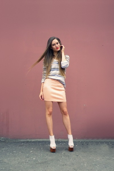peach H&M skirt - nude Jeffrey Campbell shoes - neutral Oasis sweater
