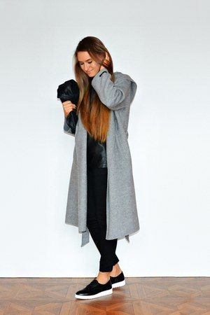 heather gray Zara coat - black Stradivarius loafers