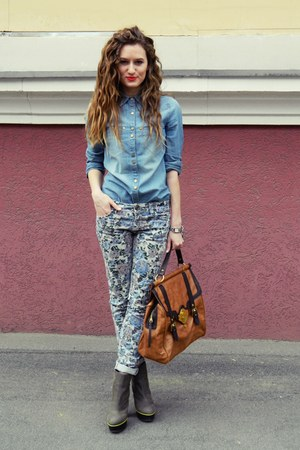 periwinkle pull&amp;bear pants - heather gray Betsey Johnson boots