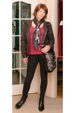 Uniqlo jacket - GeorgeAsda boots - Tesco F&F scarf - Newlook bag