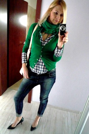 green Zara scarf - Bershka jeans - plaid H&M shirt - navy Zara bag