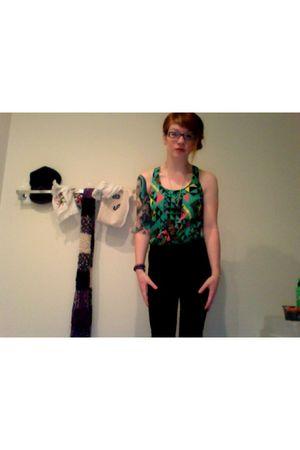 black necklace - green Forever 21 top - black American Apparel leggings - black