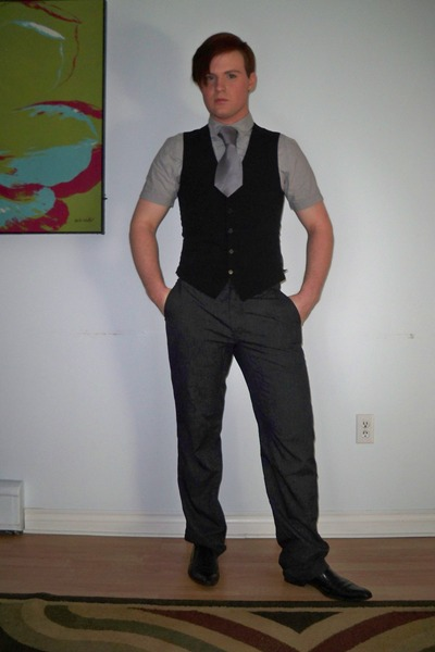 black Aldo shoes - heather gray Old Navy shirt - heather gray DKNY tie - heather