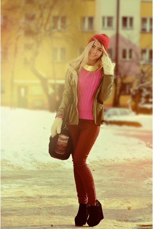 hot pink Forever21 sweater - ruby red H&M pants
