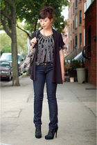 silver LOGO lori goldstein necklace - blue tory burch jeans - black Senso shoes