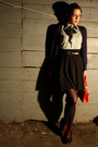 Red-thrifted-vintage-purse-black-thrifted-skirt-black-thrifted-belt-green-
