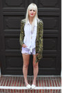 Olive-green-urban-outfitters-sweater-white-h-m-shirt