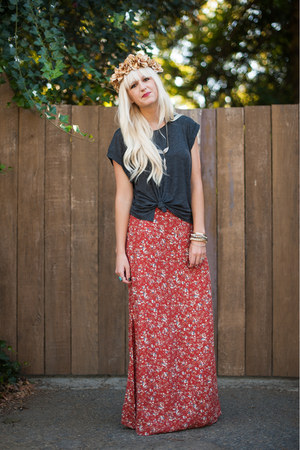 Anthropologie skirt - H&amp;M t-shirt