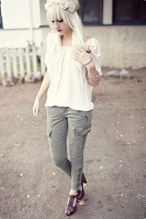 olive green cargo J Brand pants - dark brown Steve Madden heels - off white chif
