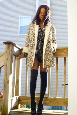vintage coat - Alain Manoukian shirt - thrifted shorts - f21 socks - BCBG shoes