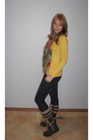 Melts top - Kelso jeans - Mr Price scarf - Luella shoes