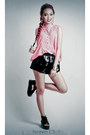 Black-boxer-shorts-tnc-shorts-bubble-gum-tnc-blouse-black-tnc-sandals