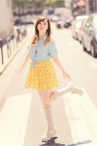 light blue shirt - yellow skirt