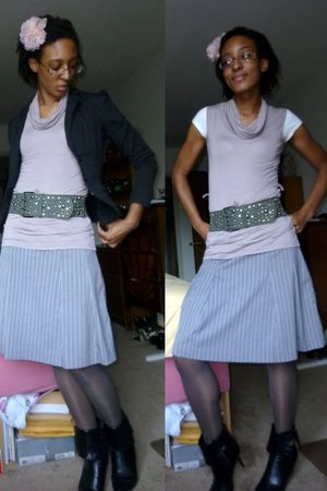 gray isaac mizrahi skirt - purple H&amp;M top - gray Leggs tights - gray DOTS belt -
