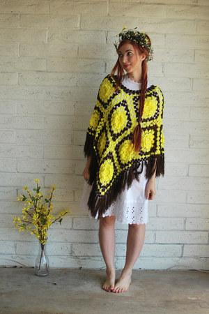 yellow fringe vintage cape - white vintage dress
