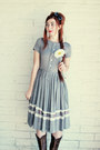 Heather-gray-vintage-dress-charcoal-gray-felt-hair-bow-gaera-accessories