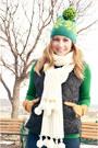 White-vintage-scarf-navy-gap-vest