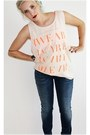 Navy-levis-jeans-peach-h-m-top-silver-skulls-gina-tricot-ring