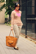 camel Old Navy sweater - tawny H&M bag - beige Old Navy pants