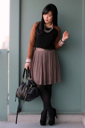 black two-tone Zara sweater - black Urban Outfitters bag