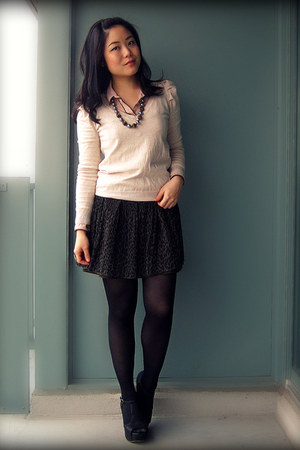 army green Uniqlo skirt - beige H&M sweater - light pink Zara blouse
