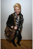 gold Sisley bag - black MNG Jeans jacket - black Vero Moda scarf