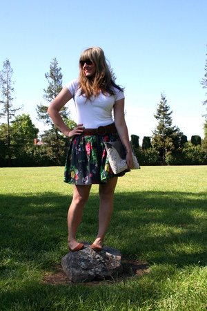 white Forever 21 shirt - gray Krust purse - gray kimchi and blue skirt - brown F