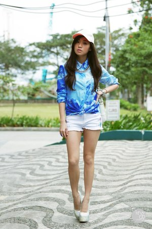 blue romwe top - white ellysage shorts - white Sheinside heels