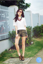 gold Oh my Frock shorts - white Clothes Off top - brick red holic necklace