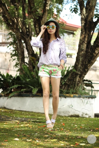 violet clothes for the goddess top - chartreuse Seventh Street shorts