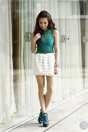 green lulus top - teal ffaq heels - white Topshop skirt
