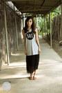 Heather-gray-levis-top-black-levis-skirt