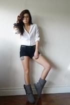 charcoal gray wwwaukoalacom boots - black WAGW shorts - white g2000 top