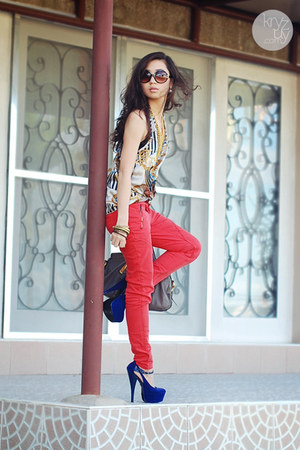 navy ffaq heels - red Topshop jeans - gray Prada bag - white ianywear top
