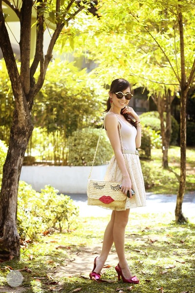 cream WAGW bag - cream DIDD skirt